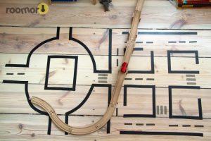 carretera hecha con washi tape