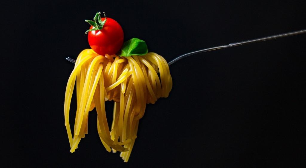 Tenedor con espaguetis